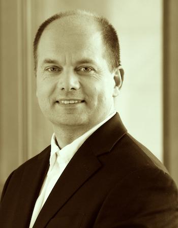 Elmar Albinger, Regional Sales Director bei AlgoSec