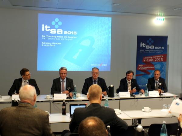 Pressekonferenz zur Eröffnung der it-sa 2015