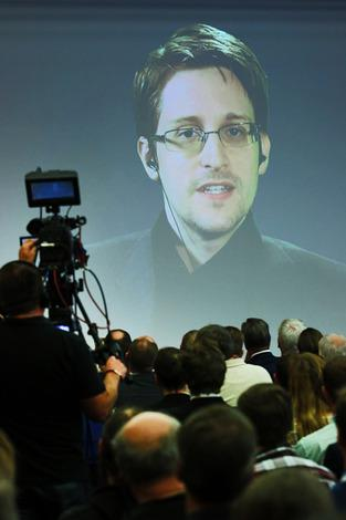 it-sa-2015_Keynote-Edward-Snowden_NuernbergMesse_Saal-Paris_08102015