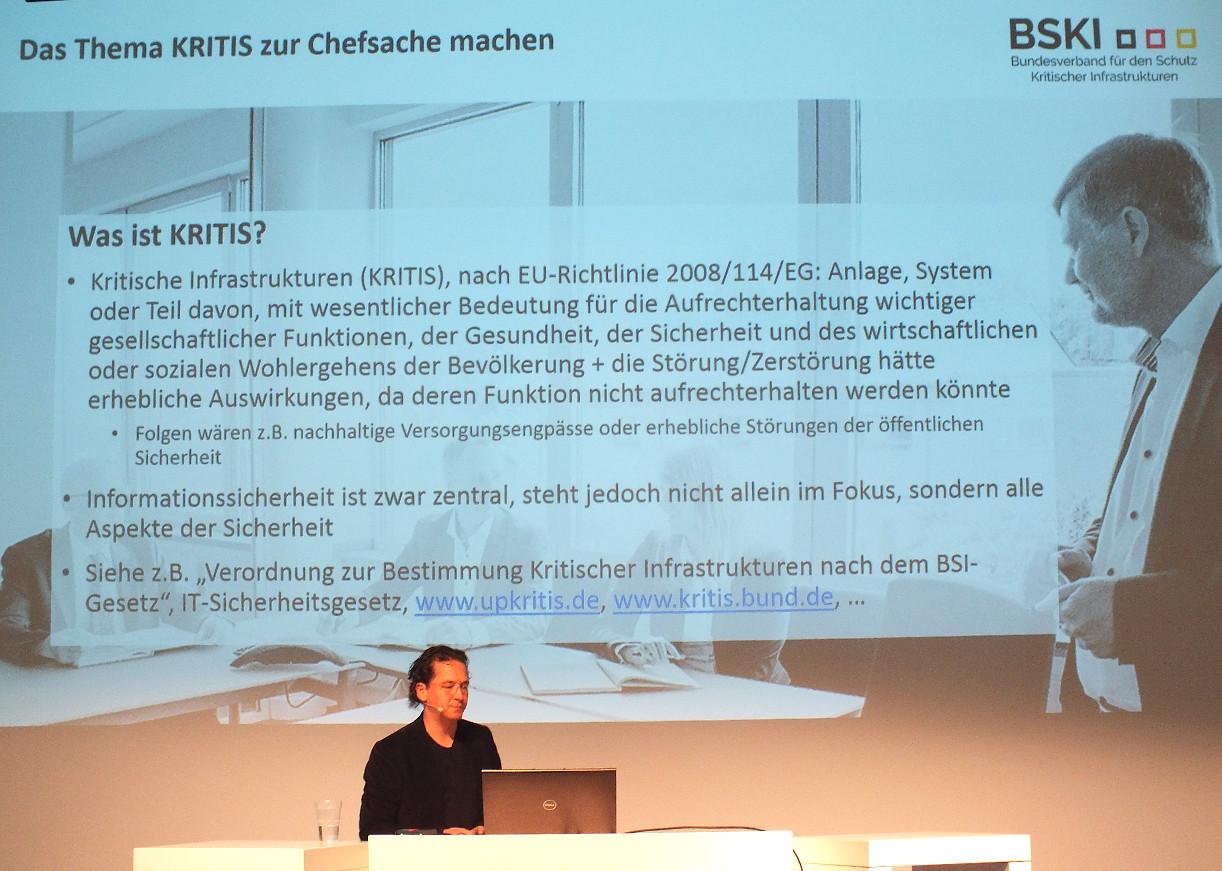 Martin Wundram mit der KRITIS-Definition im engeren Sinne