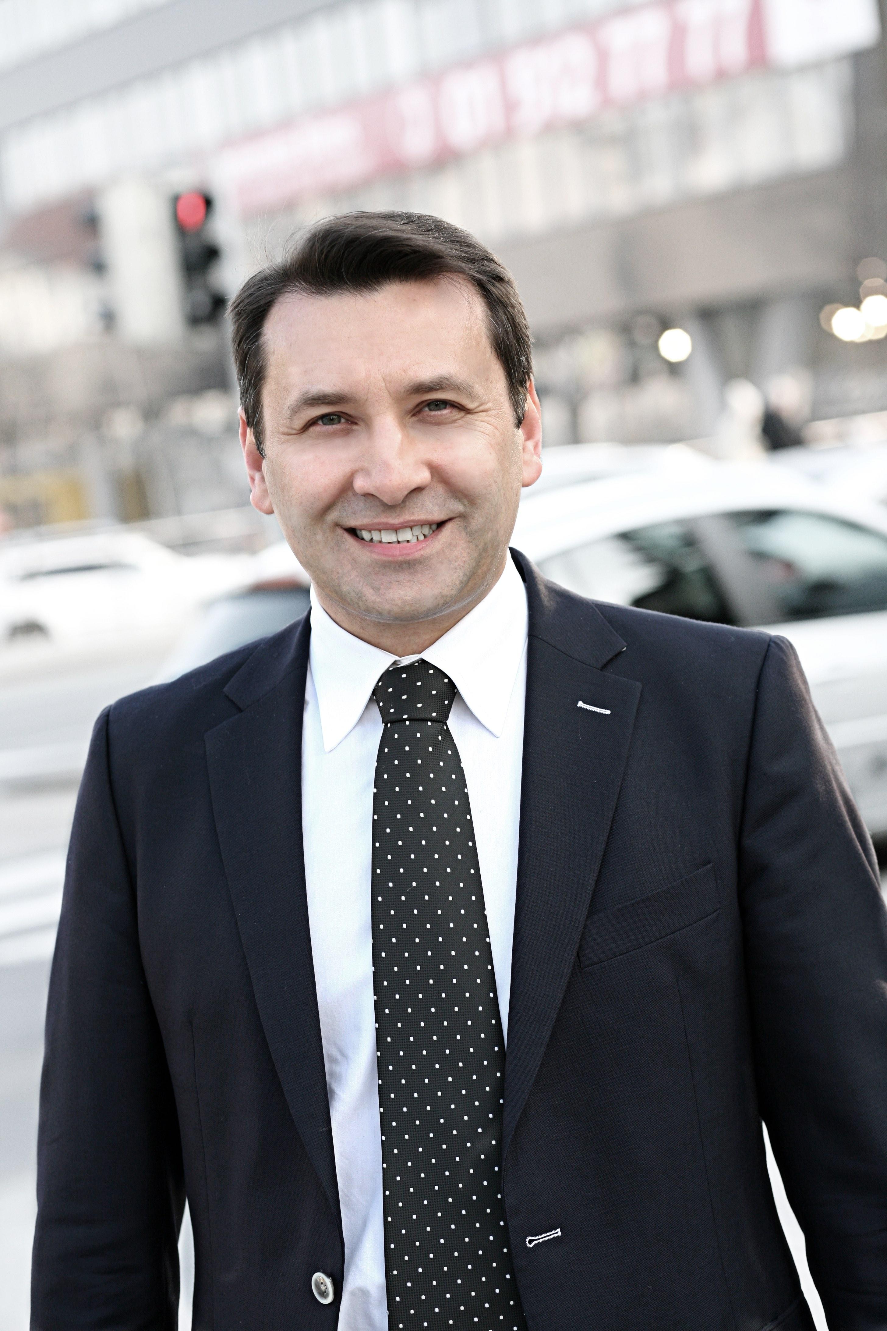 Mato Petrusic, iPass